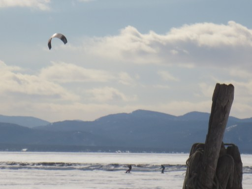 Kite skiers