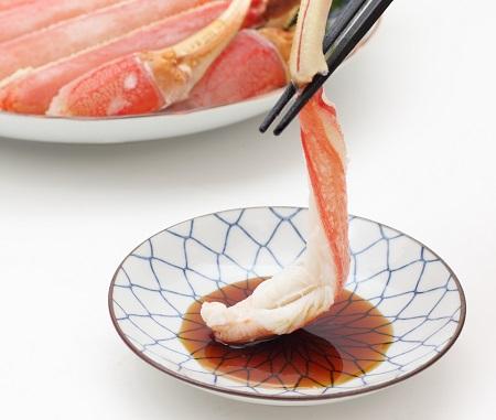 福井県敦賀市 お刺身でも食べられる高鮮度!【包丁不要】カット生ずわい蟹 約750g イメージ
