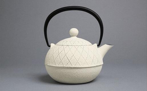 南部鉄器 急須 アーガイル(ミルクホワイト)0.6L 伝統工芸品 イメージ