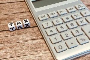 自分の住む自治体へのふるさと納税は損?返礼品の有無やメリットを調査
