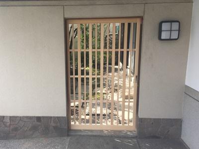 格子戸 玄関