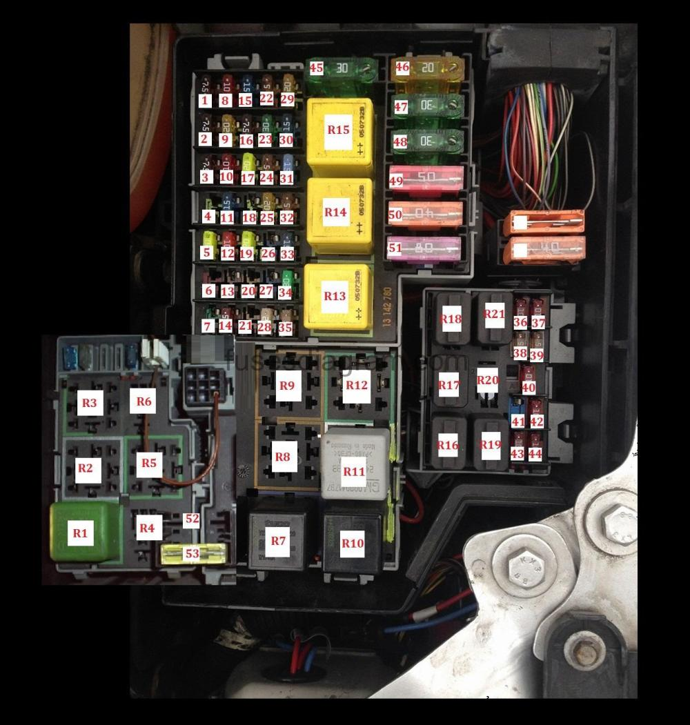medium resolution of fuse box opel vauxhall corsa c corsa c sri fuse box