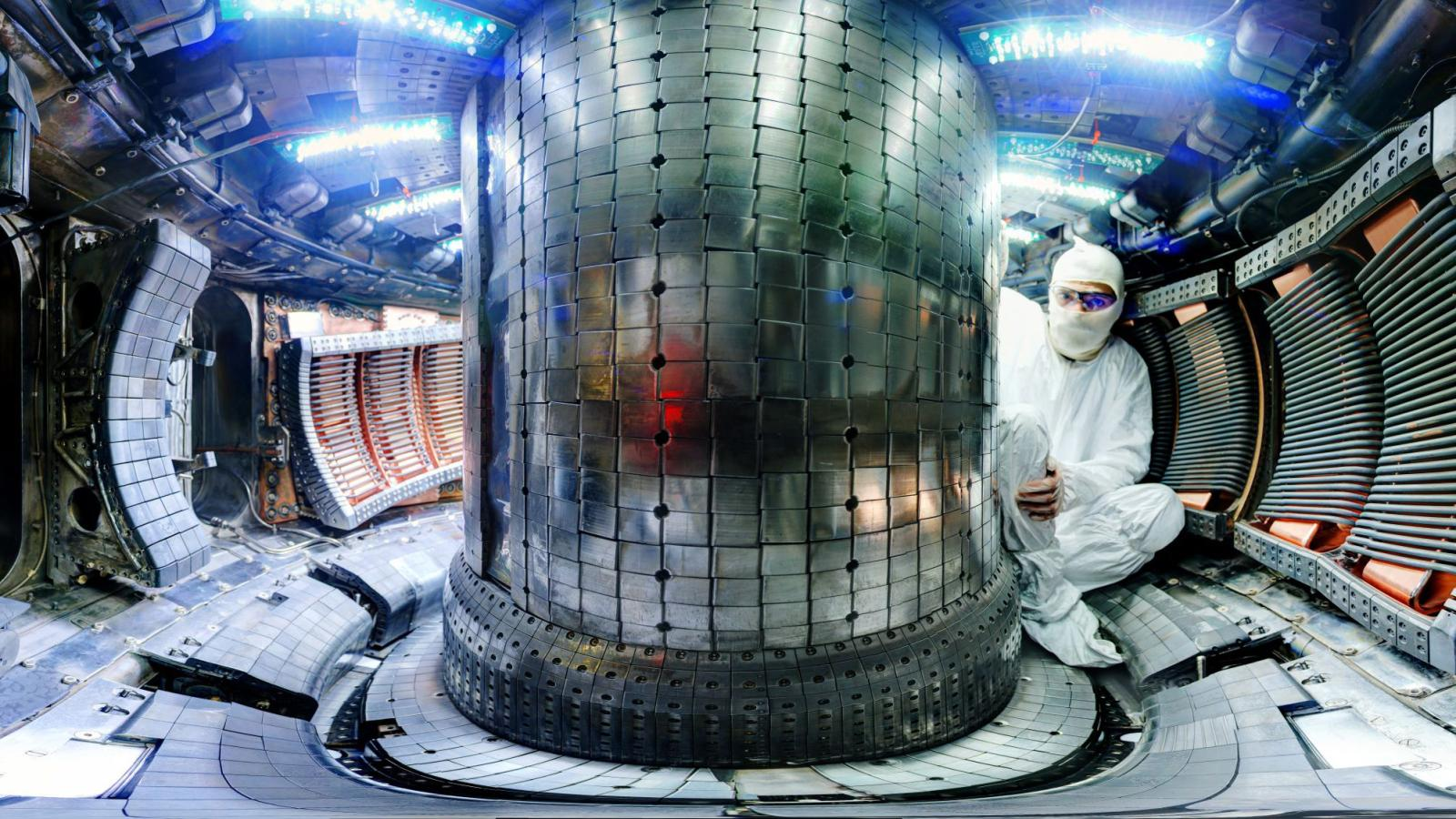 In search of clean energy, investments in nuclear-fusion startups are heating up