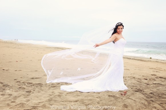traditional-red-rose-beach-wedding-isabela-puertorico