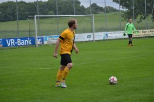 1651144466-fussball-a-klasse-kreisklasse-relegation-aufstieg-schwindegg-mehring-pya6