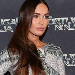 Nija Kitchen Large Island With Seating And Storage Megan Fox In Silver Zuhair Murad Dress