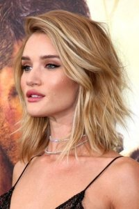 The Best Hairstyles for Women with Thin Hair to Fake a ...
