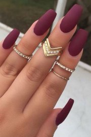 of burgundy nail design