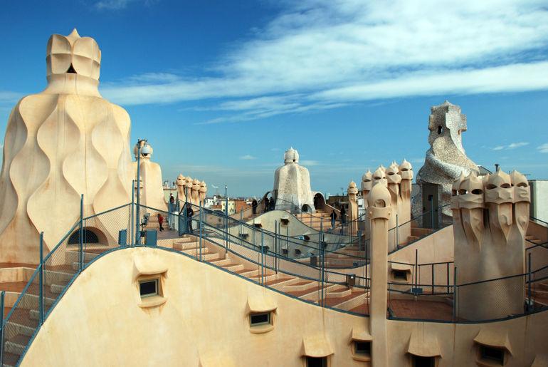 Conociendo a Gaudi en Barcelona Parte 1  Fuster Apartments