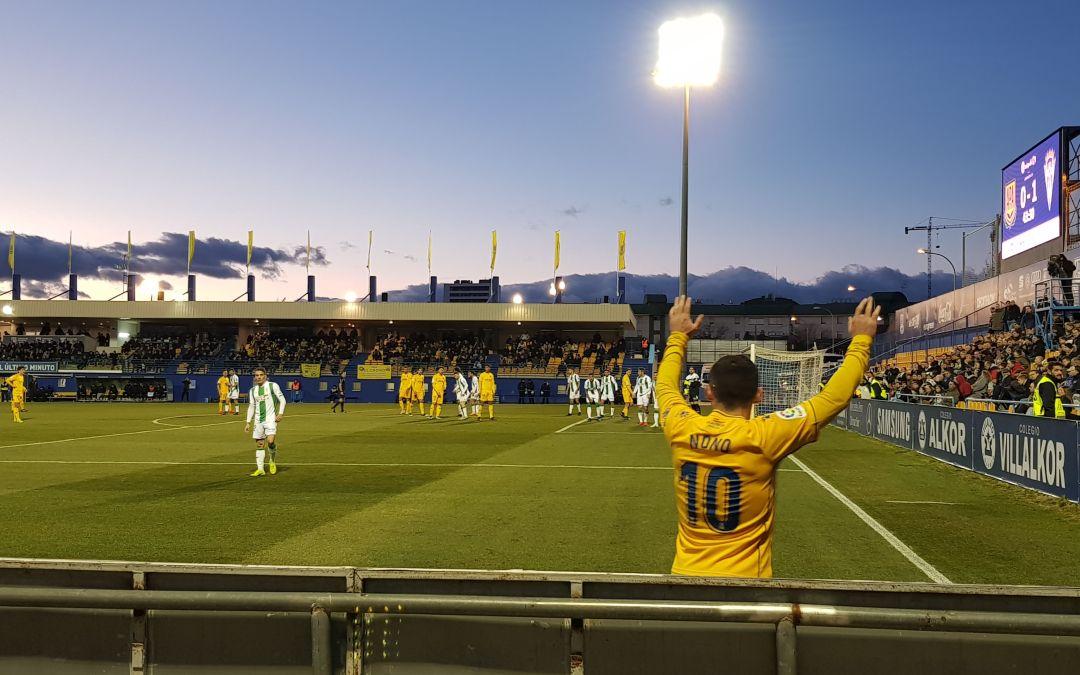 Talentos de la residencia futbalia apoyando a su equipo de La Liga123