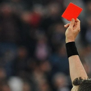 дисквалификация, красная карточка