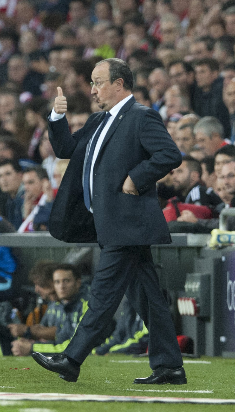 موقع ريال مدريد بنزيما يهدي الريال الصدارة والعيديه والرب
