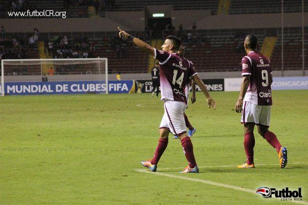 Ariel Rodríguez dedica el tercer gol, pese a que la celebración no fue muy emocional.