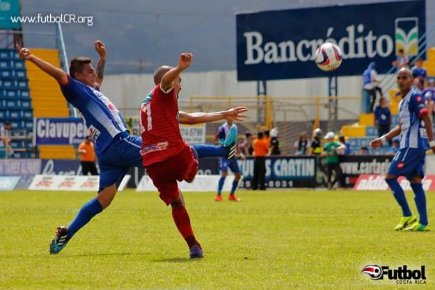 Santos se blindó en el fondo durante todo el encuentro, poniendo en problemas al ataque brumoso.