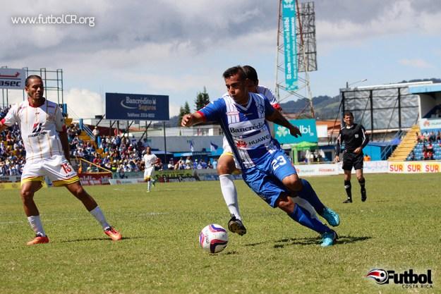 Andrés Lezcano vital en el triunfo blanquiazul, jugó los 90 minutos y aportó con la segunda anotación.