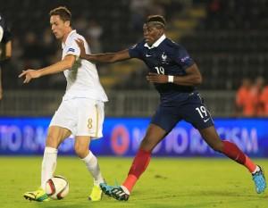 Pogba el el partido amistoso entre Francia y Serbia