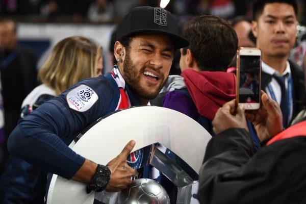 Neymar se marcha a la Copa América