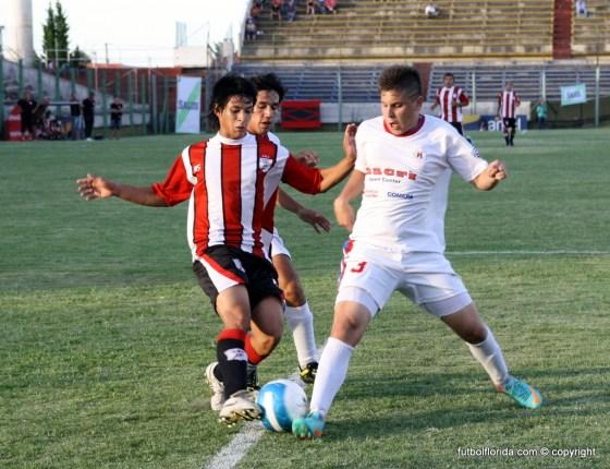 Empate en el clasico juvenil del Litoral. Foto Miguel Castagnaro