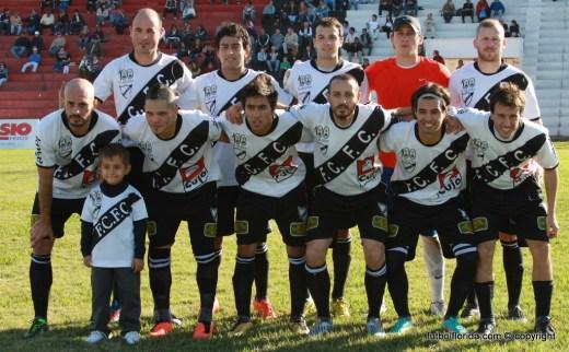 Ferro Carril ganó en Artigas a Wanderers 1-0. Foto Miguel Castaganaro