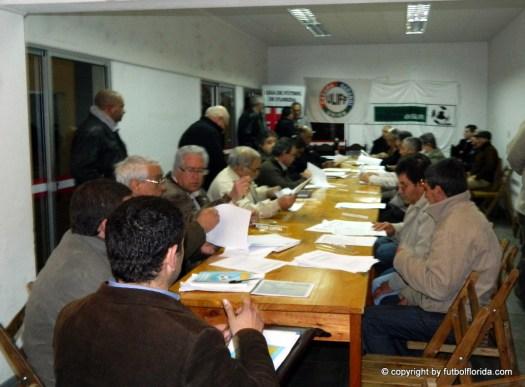 Los Delegados y la mesa