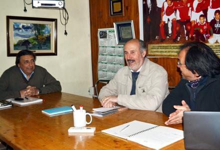 El Intendente Irazabal, el Presidente Recuero y el Crio (R) Ruben Velazquez. Foto El Acontecer