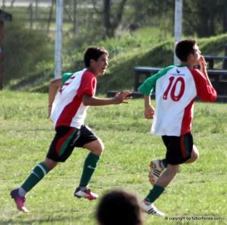 Braian Perez celebra su gol