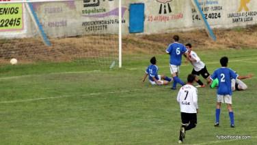 Daniel Tucuna señala el 2do gol de su cosecha