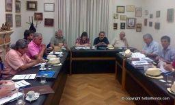 El Consejo Ejecutivo sesionando. Foto Mauricio Doninelli