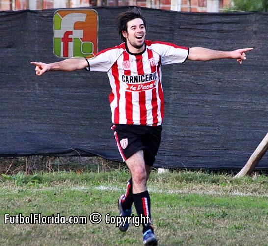 El goleador de Cardal, Javier Vagas, en San José Inerior