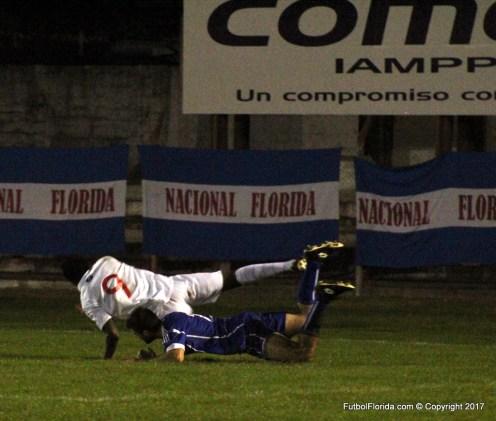 El vuelo de Flex frente a la marca de Spinello. Foto Emilia Spinelli