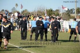 Izquierdo con la guardia al final del partido