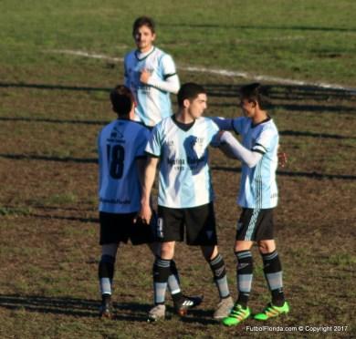 Diego Torres festeja el doblete clásico