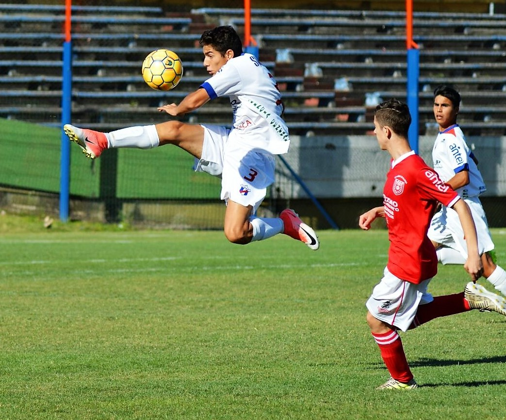 Contodo jugaron Paysandú y Durazno. Foto Ramón Mesías