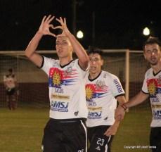 Luigini Antonini en el festejo de uno de los mejores goles de la Copa