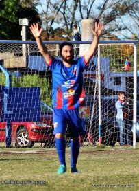 Diego Liguera celebra el tanto del empate. Foto Fanny Ruetalo