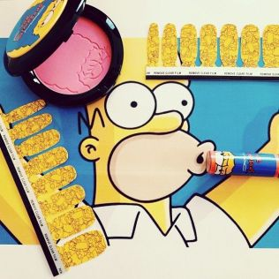 previa-mac-the-simpsons-collection-2014-instagram-1