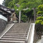 『狛魚?狛鯛?』八幡神社(与謝野町四辻)