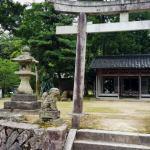 『磐座探訪。斬り付けられた跡』村岳神社