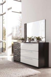 B850 Piroska Black/White Bedroom Set Signature Design by