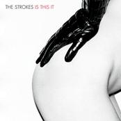 Capa original da estreia dos Strokes