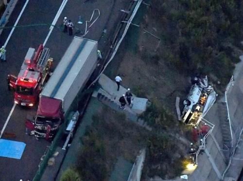 徳島 バス 事故