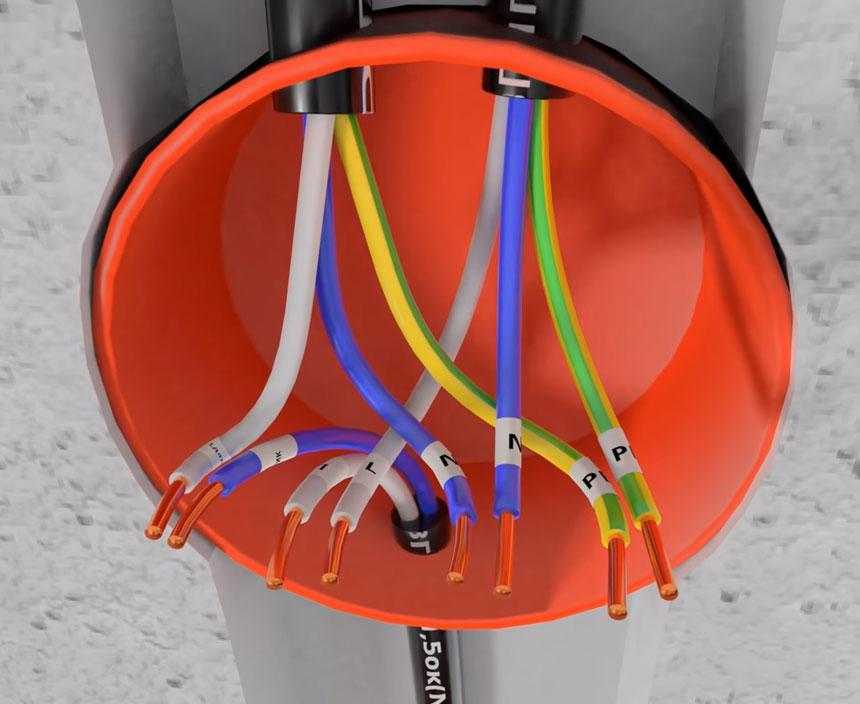 Menghubungkan sensor gerak ke bola lampu