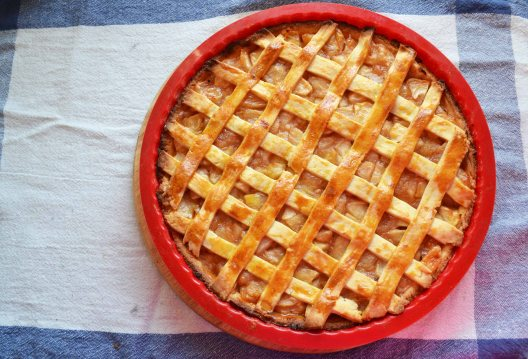 futureater_almaspite_apple pie