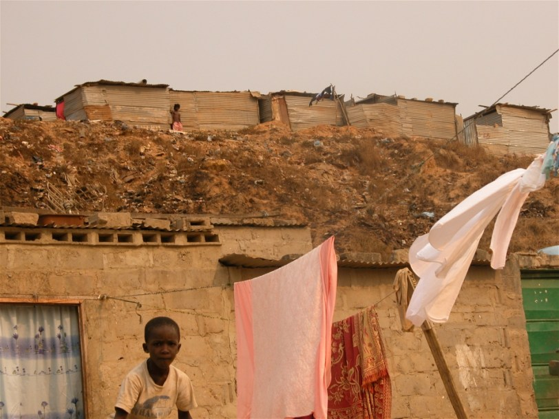 Photo: Jaspreet Kindra/IRIN Boa Vista slum in Angola's capital Luanda: Better development = better climate change adaptation