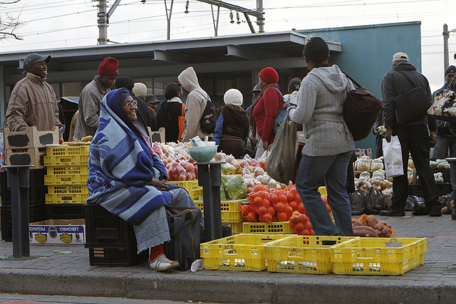 Informal street traders at the Wynberg taxi rank in Cape Town.  Credit: worldbank at flickr.com.