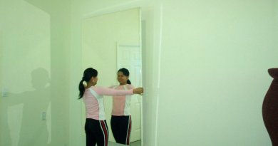 9 Tips To Hang Your Large Wall Mirrors Safe And Sound