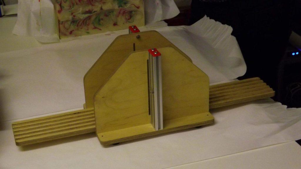 soap log slicer