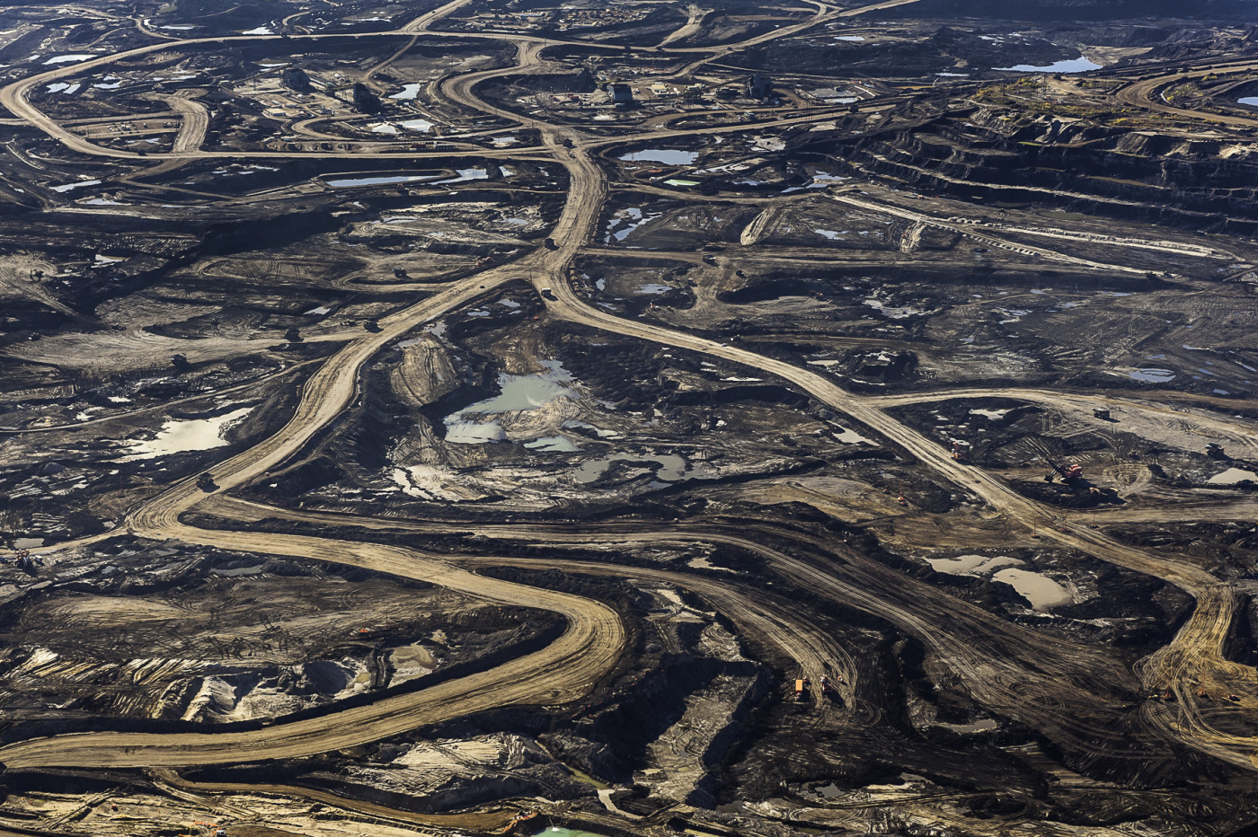 Tar Sands Mining photo by Garth Lenz