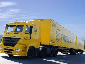 Mercedes-Benz customiza caminhões blindados