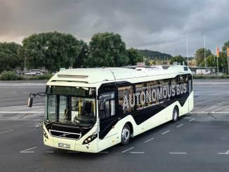 Volvo faz demonstração de seu ônibus autônomo
